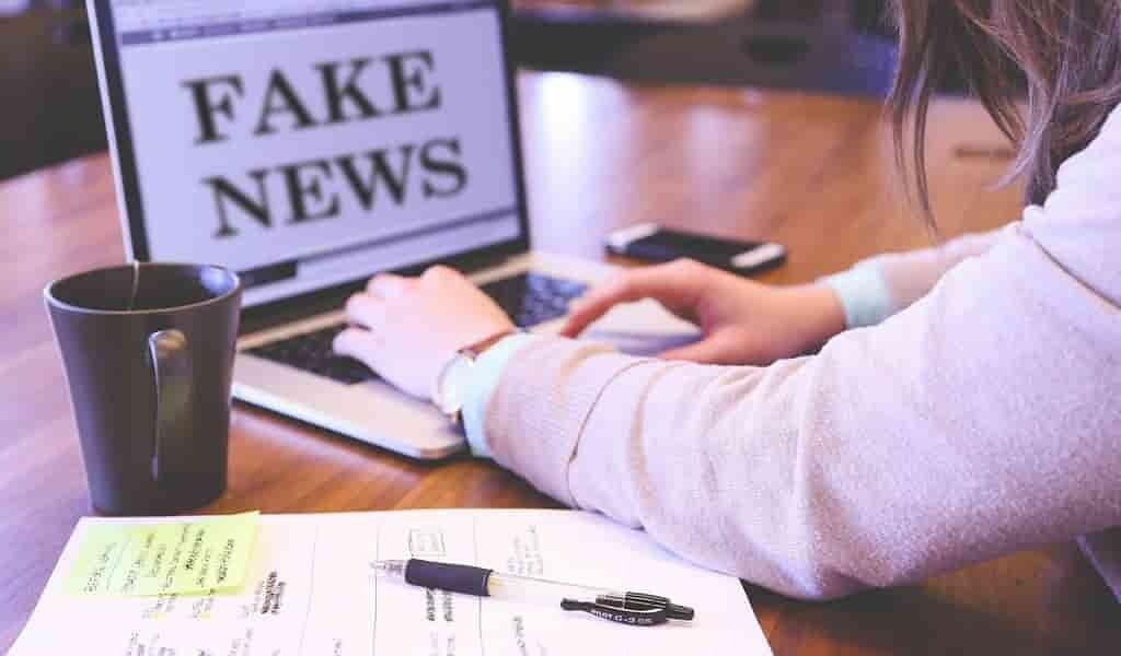 Une méthode pour détecter les fausses nouvelles