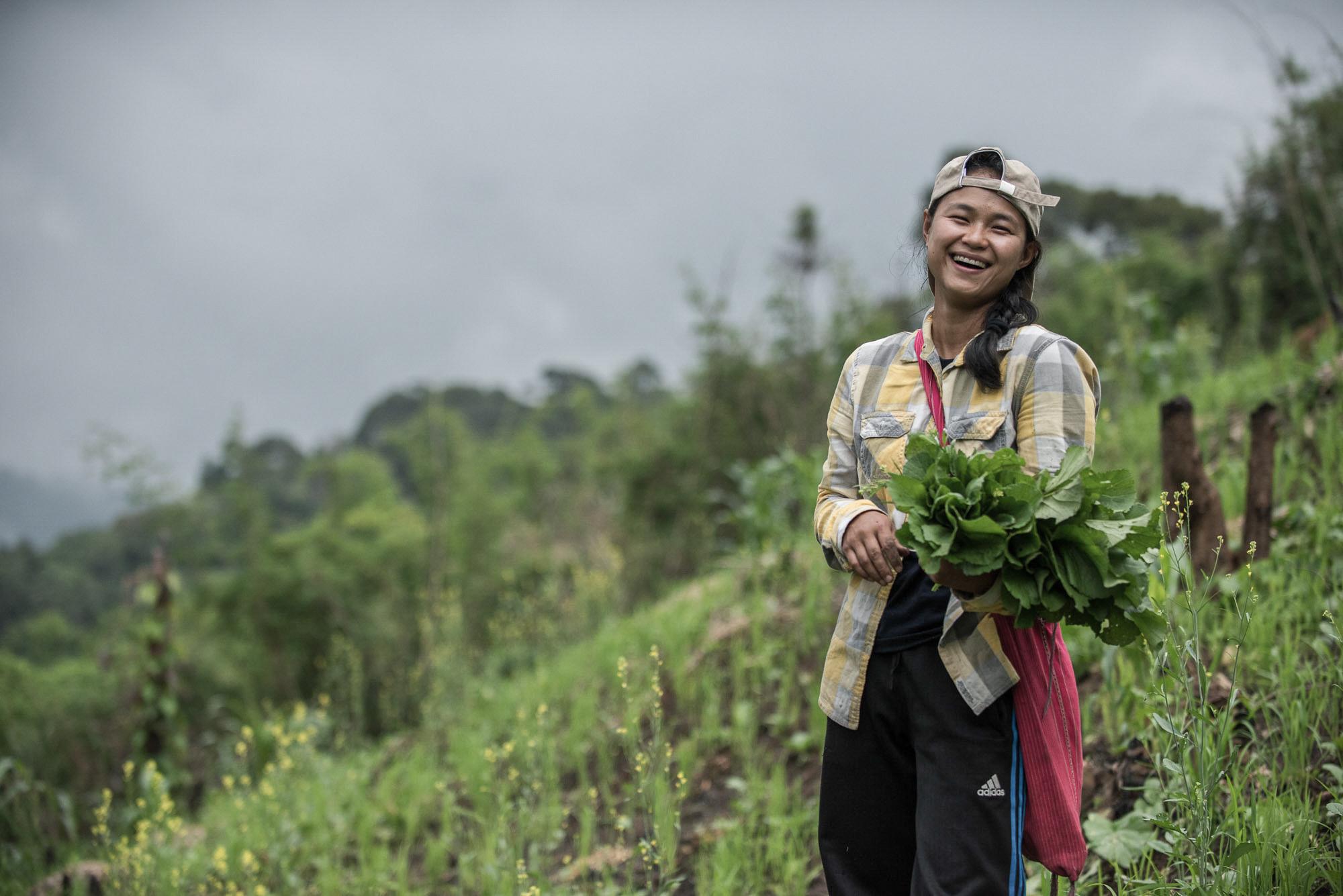 ดาวใจ ศิริ แกนนำเยาวชนบ้านห้วยหินลาดใน ผู้เป็นตัวหลักในการขับเคลื่อนกองทุนดูแลผืนป่าของหมู่บ้าน (ที่มา: ยศธร ไตรยศ)