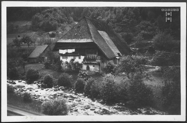 ArchivTappen2AAl2e655 Bauernhaus bei Triberg, Schwarzwald, Fotoalbum, 1930-1948