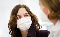 La Comunidad de Madrid comienza este jueves a hacer test de antígenos gratis en farmacias y clínicas dentales a los madrileños asintomáticos