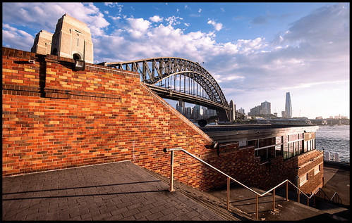 sydney summer brickwall steps harbourbridge sydneyharbourbridge northsydneyolympicpool harbour sydneyharbour northsydney milsonspoint