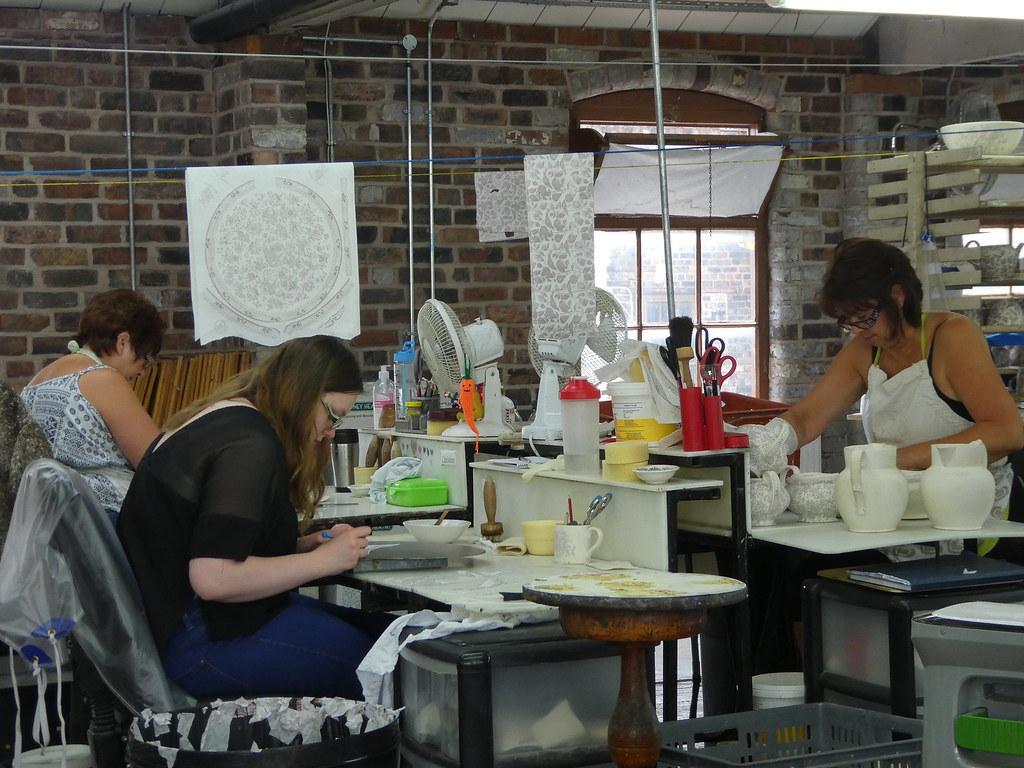 Hand finishing, Middleport Pottery