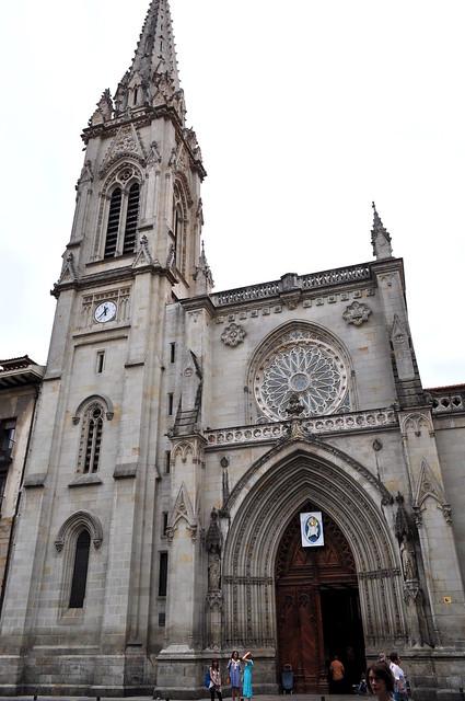 Façade néo-gothique, XIXe, cathédrale de Santiago, Bilbao, Biscaye, Pays Basque, Espagne.