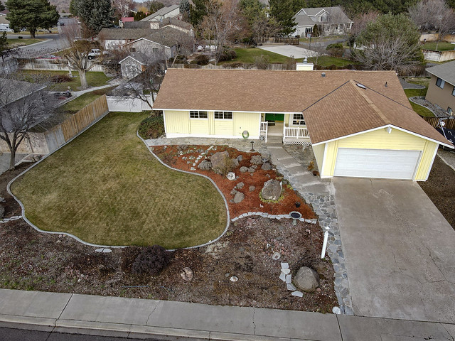 South Richland Home For Sale at 106 Hills West Way, Richland WA 99352