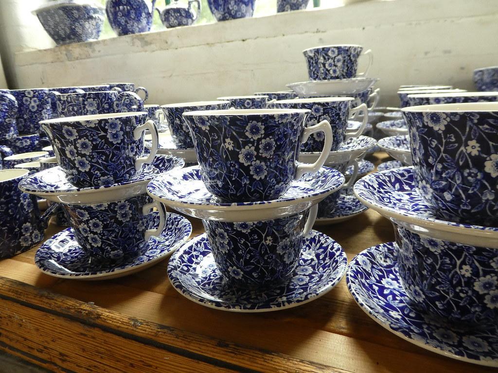 Middleport Pottery Burleigh design crockery