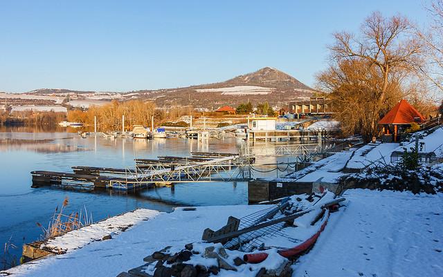 Žernosecké (Píšťanské) jezero