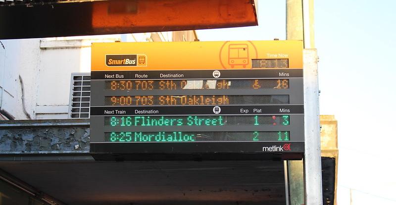 Bentleigh station: Smartbus Passenger Information Display (PID)