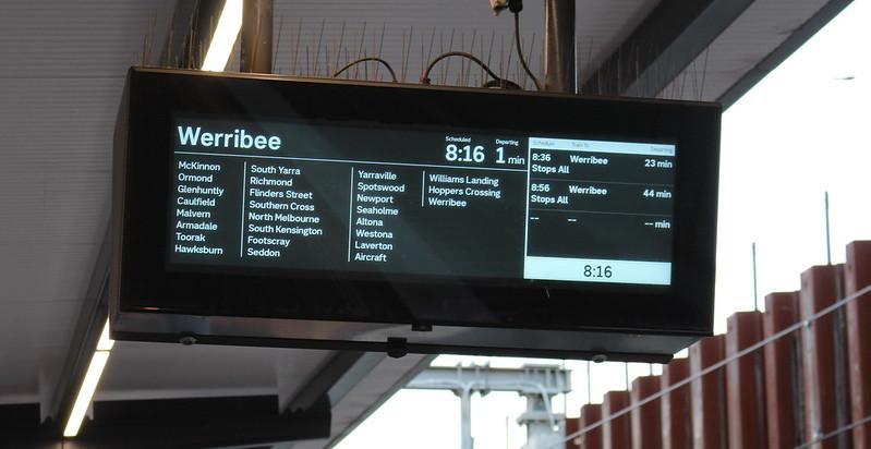 Bentleigh station: platform Passenger Information Display (PID)