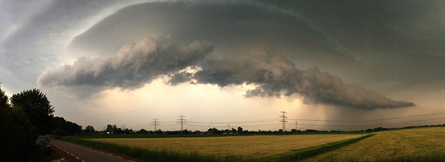 Dissipating supercell over Aduard