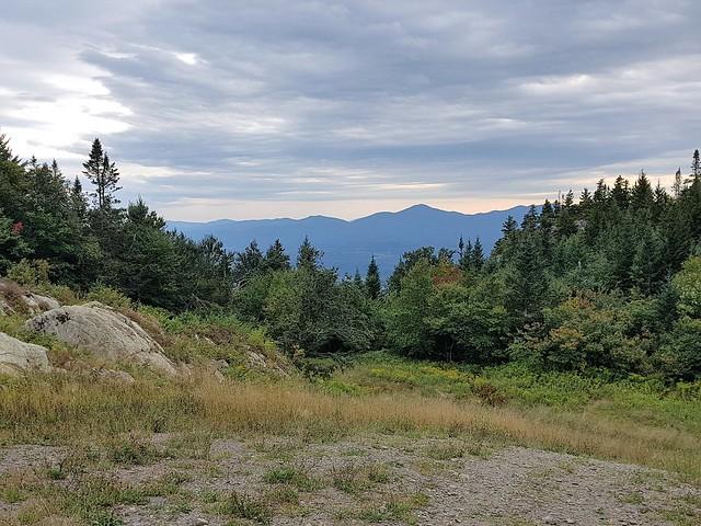Une Vue Sur Les Montagnes. 2020 09 07 16:50.19