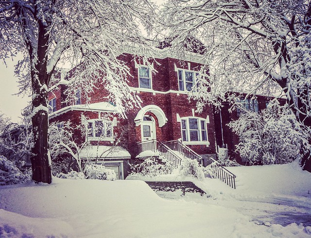 Brick_and_Snow_in_Outremont_for_Winter_Series_01