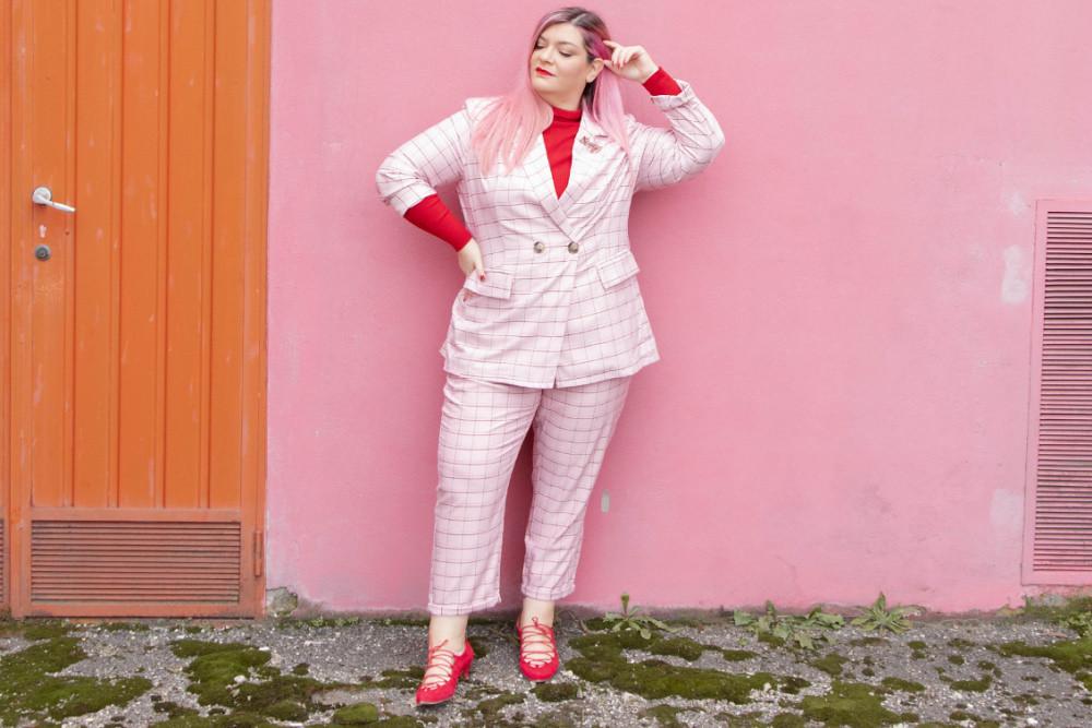 curvy color challenge monocromatico rosso e rosa (8)
