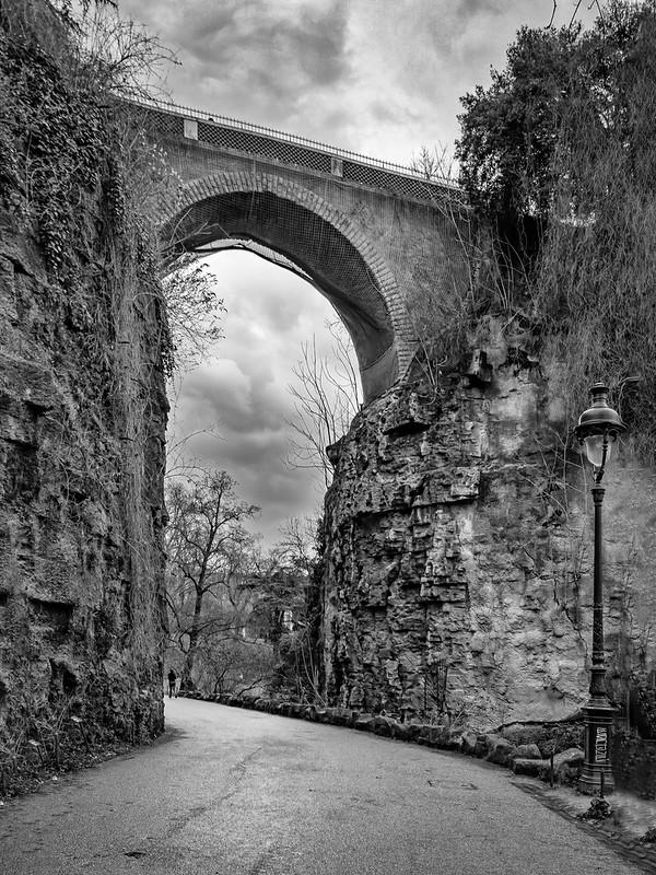 Le Pont des Suicidés (en plein Paris...) 50904411493_31c46e76c0_c