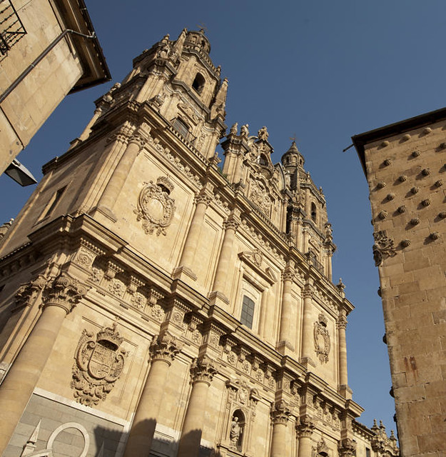 Fachada_de_La_Clerecía,_Salamanca