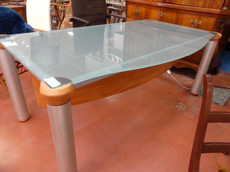 table bureau dessus verre