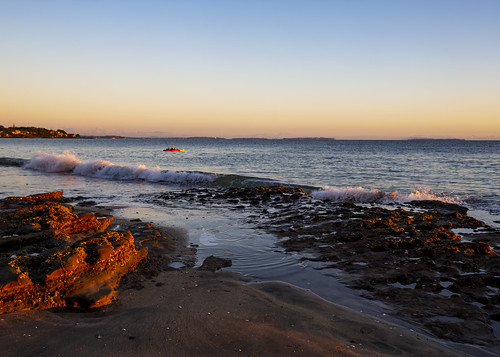 nz newzealand hauraki gulf takapuna beach sunrise tide morning landscape waterscape kayak fisherman fishing auckland