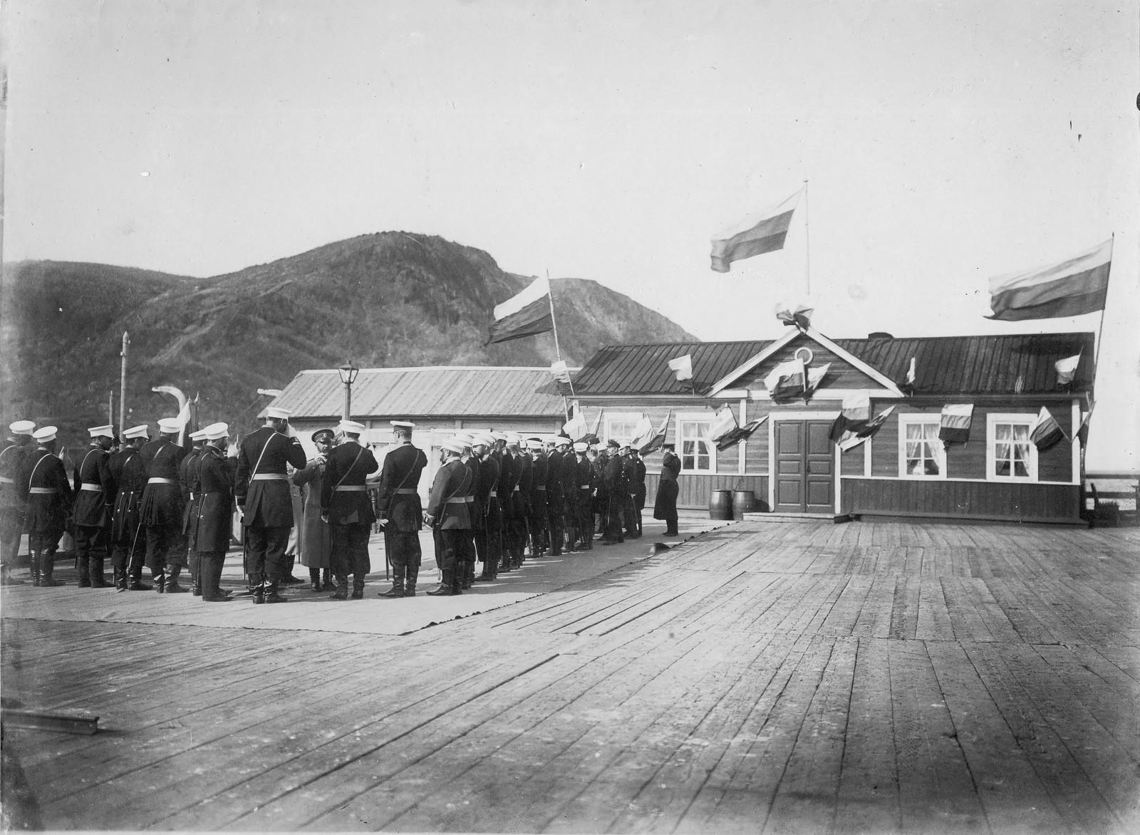 21. Приезд военного министра в пост Александровский в 1903 году.