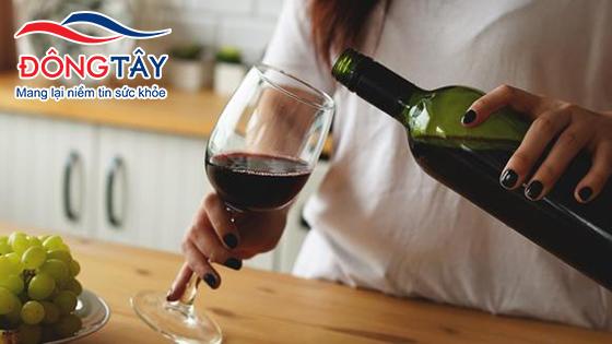 Uống 4 ly rượu mỗi ngày làm tăng 47% nguy cơ rung nhĩ