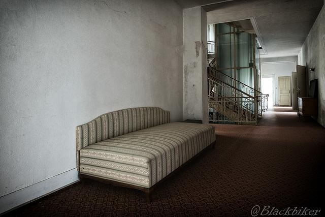 the leaving hotel hallway