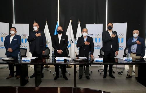 Firma de convenio de colaboración ente TV Azteca Guatemala, la Confederación Deportiva Autónoma de Guatemala, y el Comité Olímpico Guatemalteco
