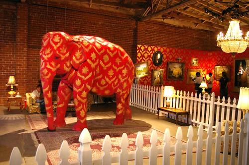 Elefantes en medio de la sala