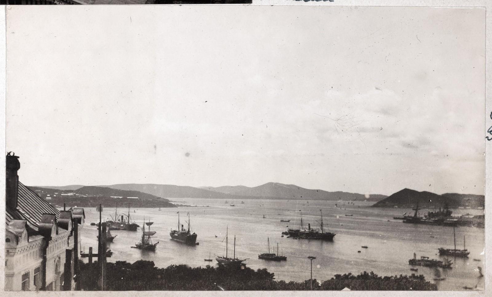 Вид на бухту Золотой Рог с балкона Дома Смитов
