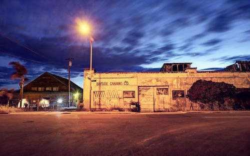 alviso sanjose california usa siliconvalley sanfranciscobay sanfranciscobayarea southbay house building factory abandoned cannery baysidecanningco street night outdoor sky clear vignette longexposure sony a6000sony a6000 selp1650 3xp raw photomatix hdr qualityhdr qualityhdrphotography fav100