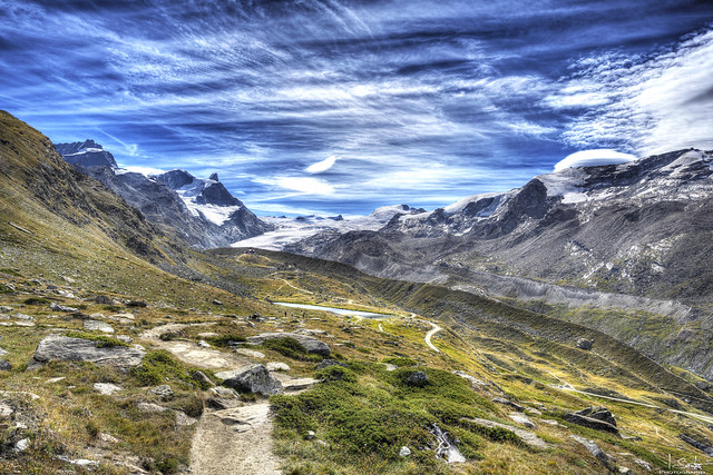 Mountain view and Stellisee Lake - Zermatt - Wallis - Switzerland