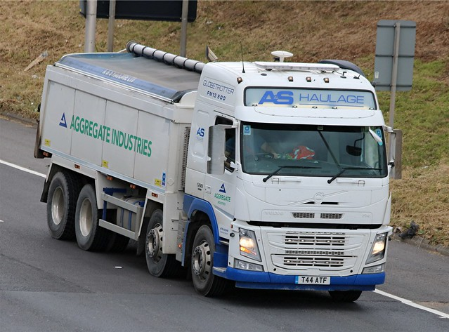 Aggregate Industries - T44 ATF(19) on the A102 19-06-20