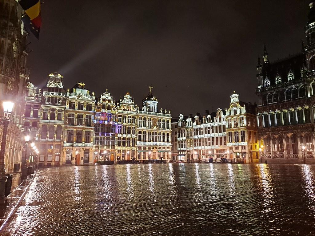 La Grand Place de noche