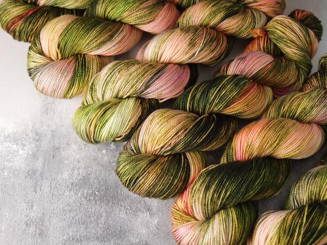 Favourite Sock – hand-dyed superwash merino wool yarn 4 ply/fingering 100g – 'Saxifrage'