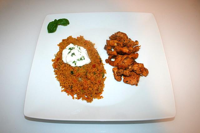 57 - Chicken gyros with vegetable couscous & tzaziki - Served / Hähnchengyros mit Gemüsecouscous & Tzatziki - Serviert