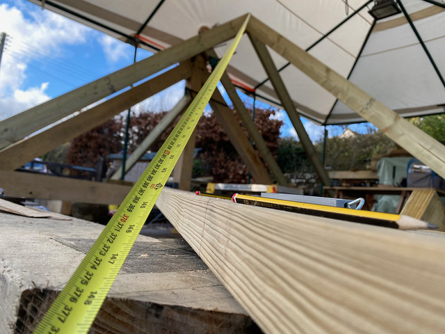 Measuring the hip rafter