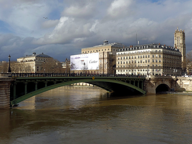 Crue au  pont Notre-Dame