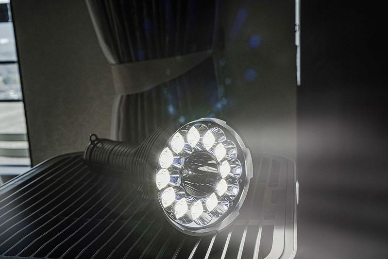 ACEBEAM X70最亮的手電筒 60000 流明 (2)