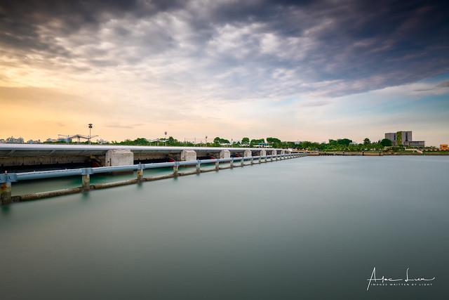 Marina Barrage I