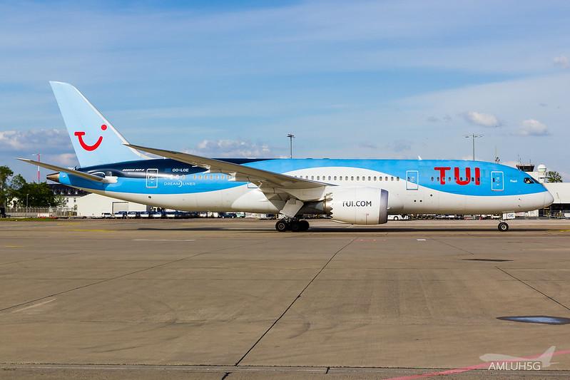 TUI fly Belgium - B788 - OO-LOE (3)
