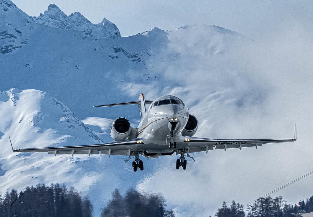SMV/LSZS: Private / Canadair CL-600-2B16 Challenger 650  / OE-LUA
