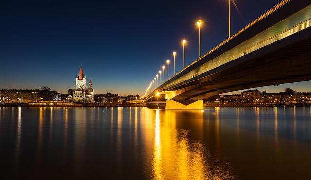 Reichsbrücke IV - Vienna