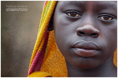 Boy from a tiny tribal village in Ethiopia - Jeune garçon vivant dans un tout petit village tribal d'Ethiopie.