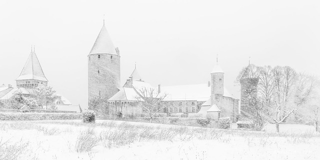 Le château de Chenaux dans le blizzard (Switzerland)