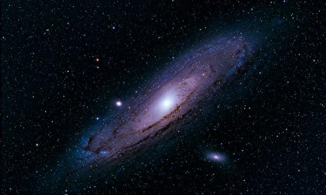 VCSE - AZ M31 (Androméda-köd), M32 és M110 galaxisok. - Fotó: Krischbaum Tamás