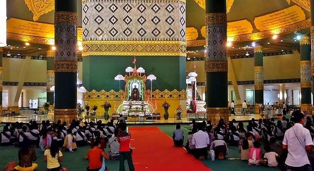 MYANMAR ,Burma , Naypyidaw die neue , ganz spezielle Haupadt, in der neuen, gigantische Friedenspagode-Uppatasanti-Pagode,  78185/13370