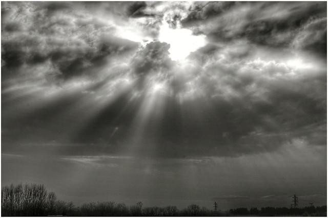Cuando todo se derrumba, siempre queda una esperanza. Pero cuando ésta se va, sólo queda oscuridad.