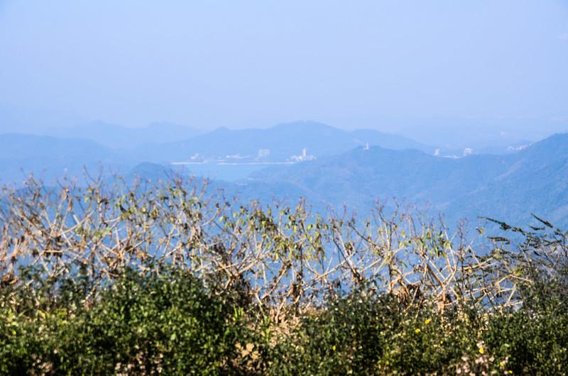 南雙龍山山頂西北望日月潭
