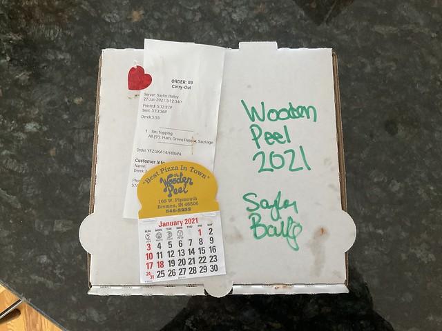 2021 - Wooden Peel pizza box and calendar