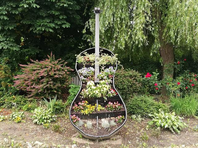 Instrumenty muzyczne na osiedlu