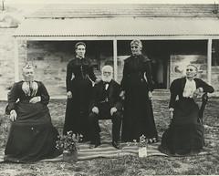 Matthew Hunt with daughters, c 1904