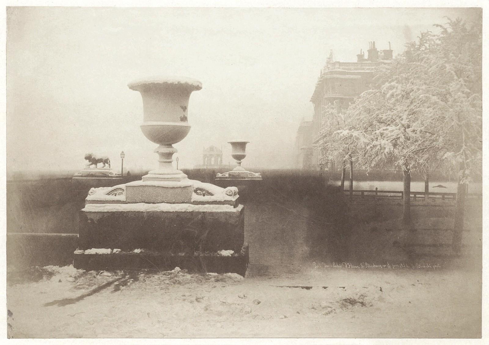 Адмиралтейская набережная. Дворцовая пристань со львами у восточного павильона Адмиралтейства. 1854