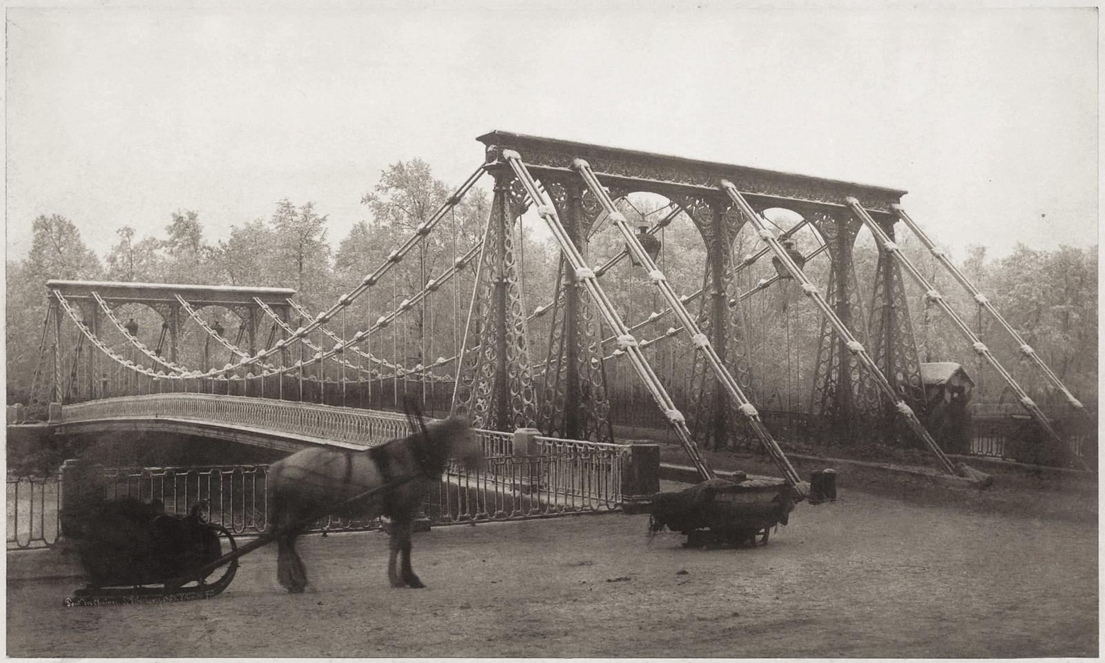 Цепной (Пантелеймоновский) мост через Фонтанку у Летнего сада. 1853